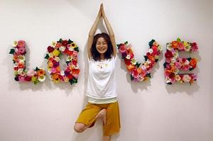 【イベント - 周年】 <br /> 8周年イベントにて。LOVE「愛」の真ん中にI「わたし」がいる。ロイブのロゴを表現♪