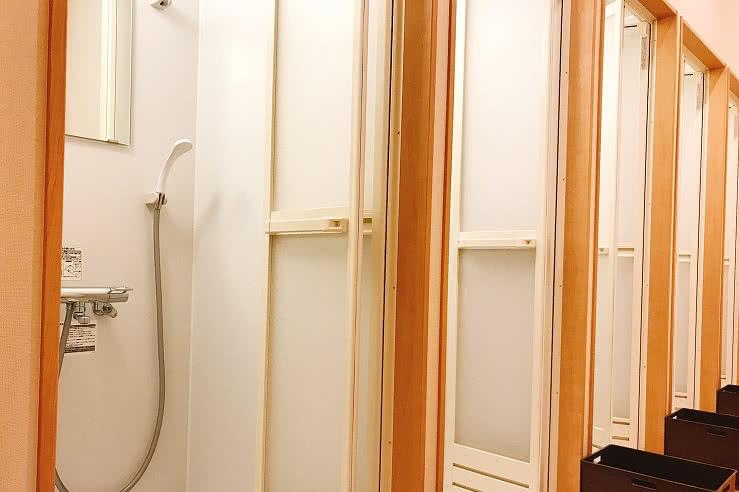 秋田店のシャワールーム