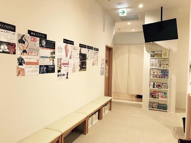 旭川店のスタジオ待ちスペース