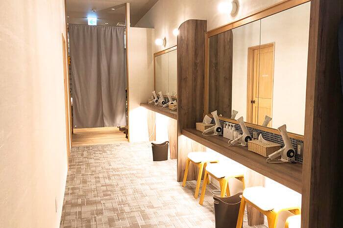 神戸三宮店のパウダールーム