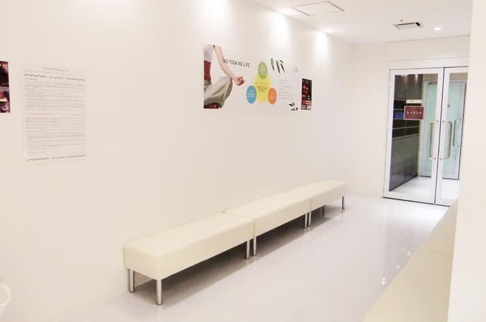 仙台店のスタジオ待合スペース