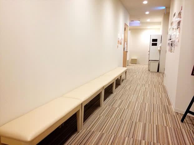 函館店のスタジオ待ちスペース
